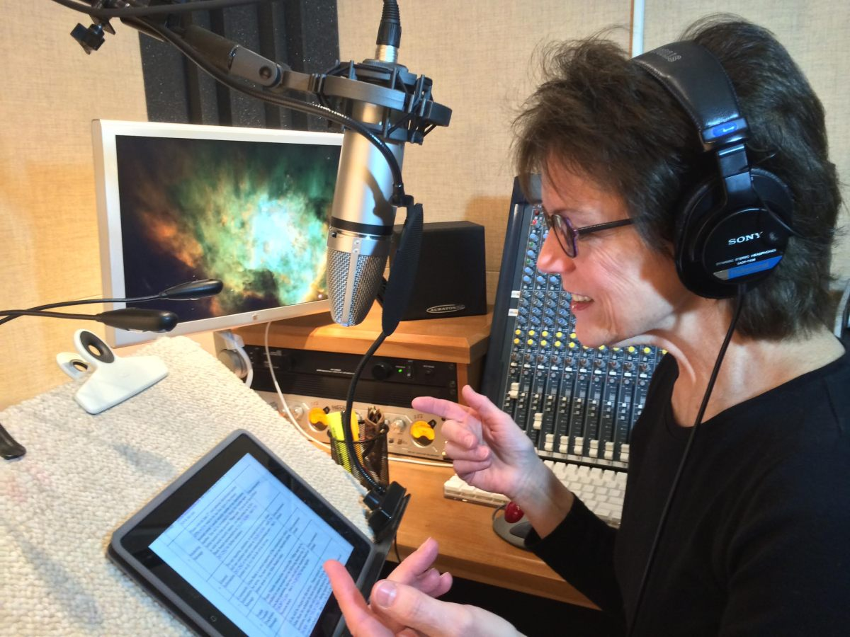 [I Ask Siri]: Susan Bennett Says She Had Mixed Feelings When She Found Out She Was The Voice Of Siri